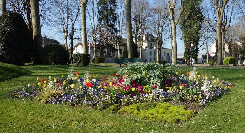 Le jardin public keukenhof b arnais oloronblog for Jardin public