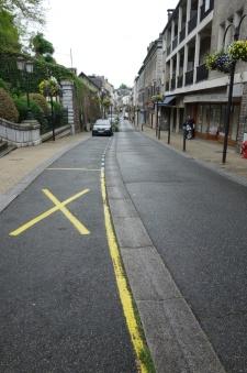 Rue Louis Barthou un 1er Mai