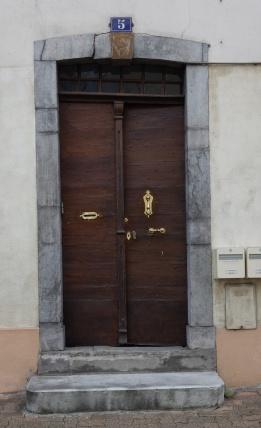 Porte rue de la Cathédrale
