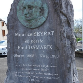 Stèle Maurice Seyrat