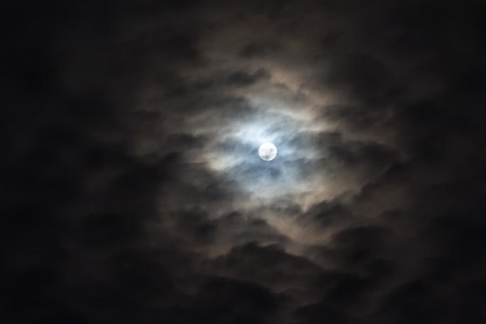 la-lune-a-rendez-vous-avec-oloron