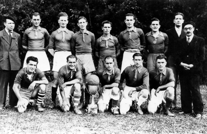 08- Équipe de foot de l'UO 1948